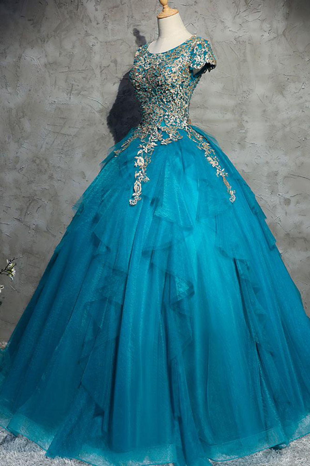 ab5be38427 Unique Blue Tulle Lace Top Round Neck Winter Formal Prom Dresses ...