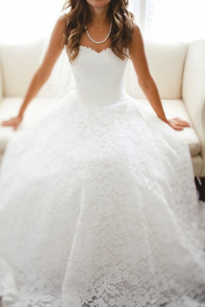 Strapless Sweetheart Lace A-line Wedding Dress